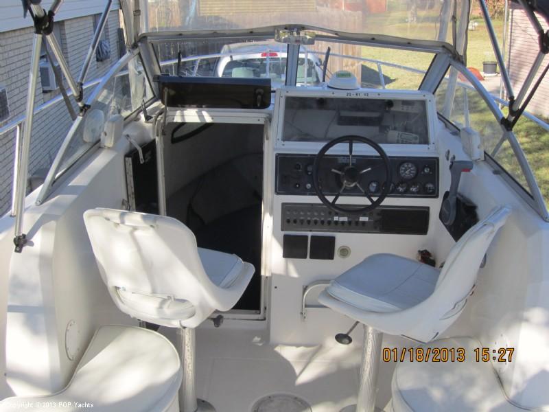 1997 Wellcraft 220 Coastal Walkaround - Photo #19