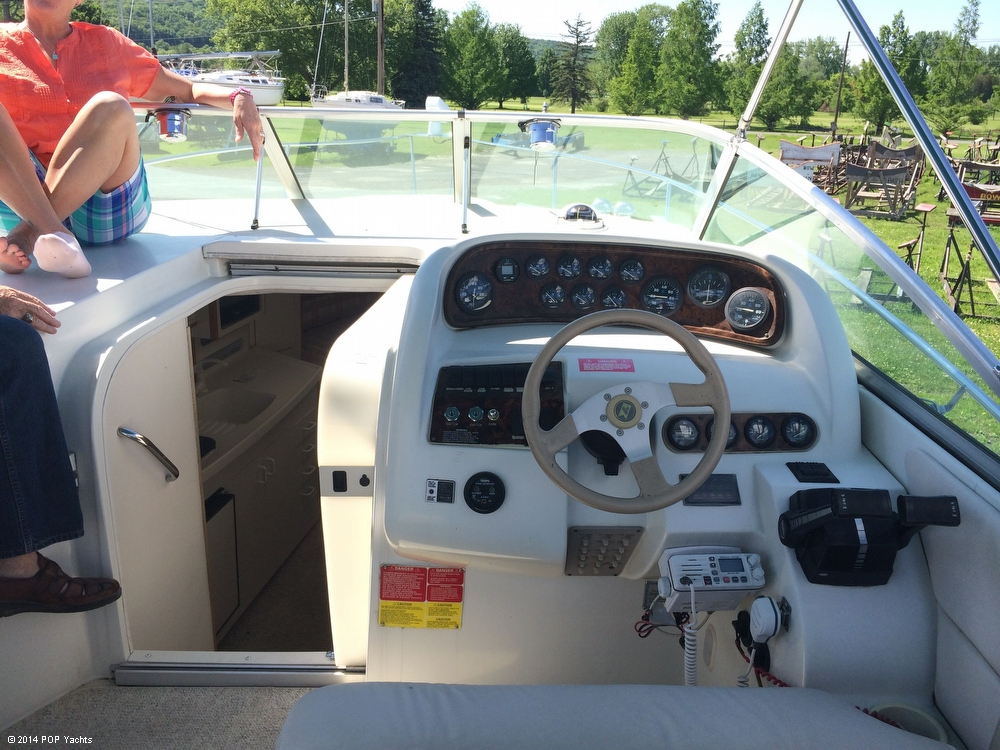 1995 Larson 280 Cabrio - Photo #8