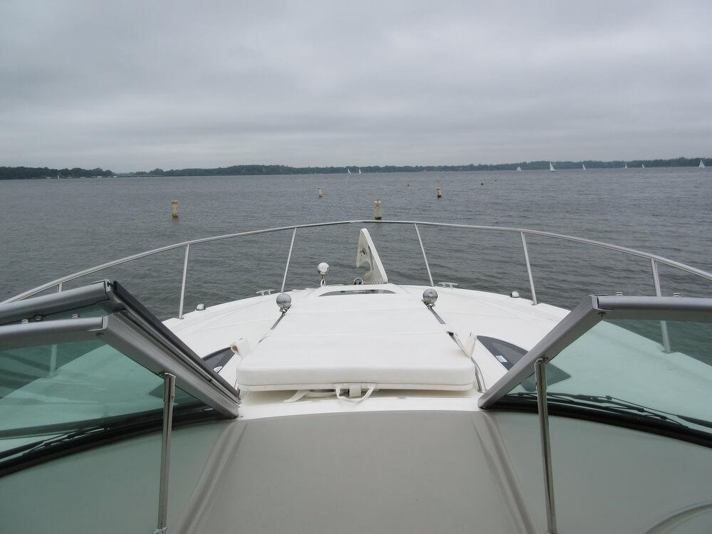 2011 Sea Ray 330 Sundancer - Photo #9