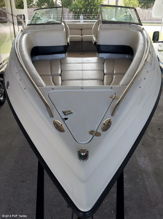 2001 Crownline 266 BR - Photo #3