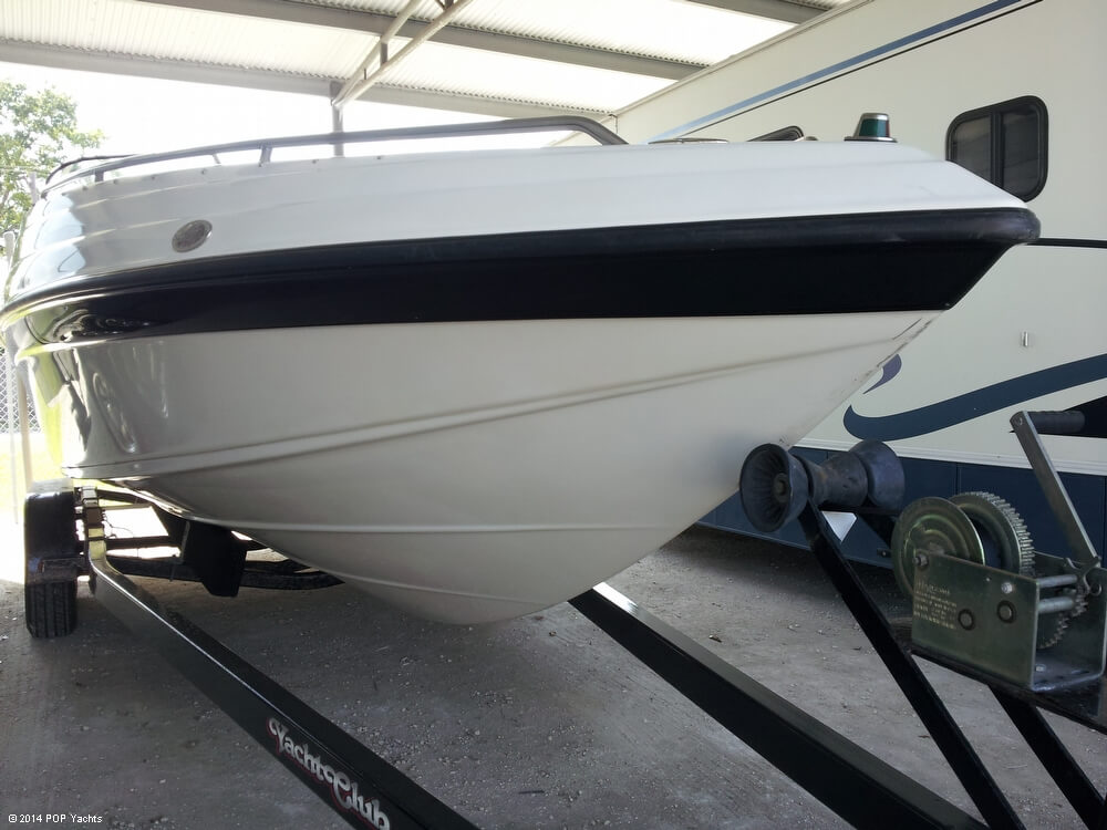 2001 Crownline 266 BR - Photo #4