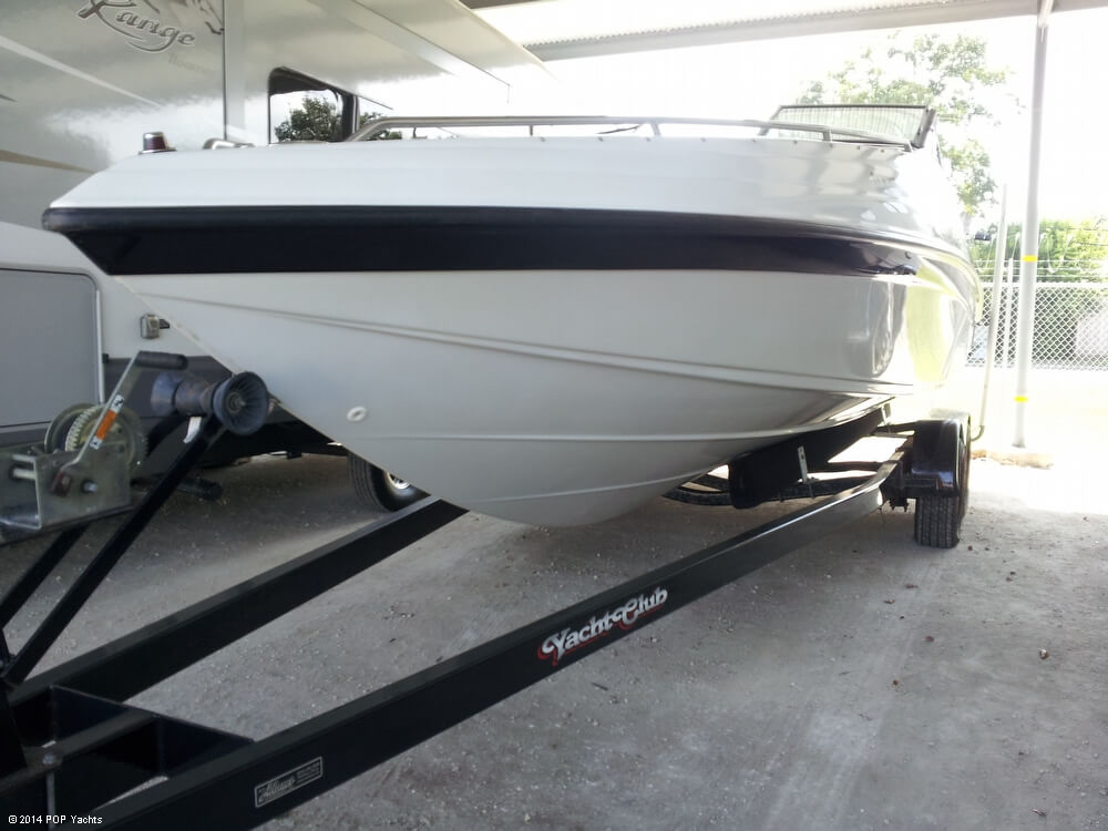 2001 Crownline 266 BR - Photo #8