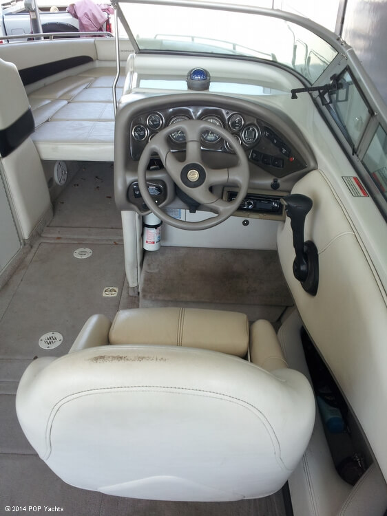 2001 Crownline 266 BR - Photo #11