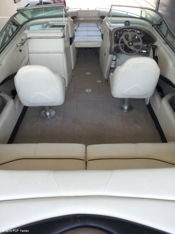 2001 Crownline 266 BR - Photo #15