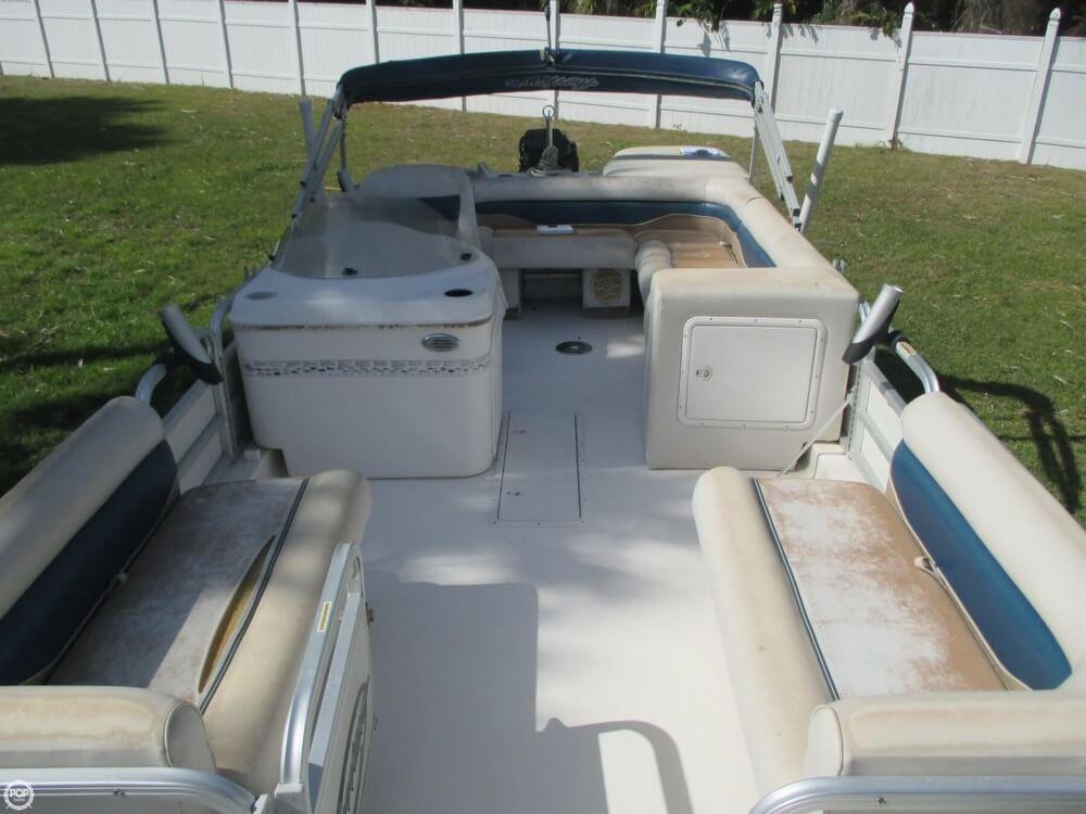 2006 Hurricane 226RE Fun Deck Fishing - Photo #3