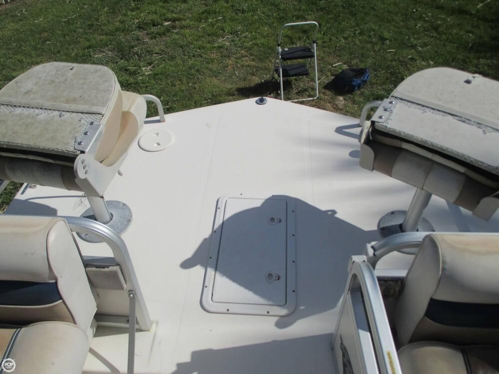 2006 Hurricane 226RE Fun Deck Fishing - Photo #4