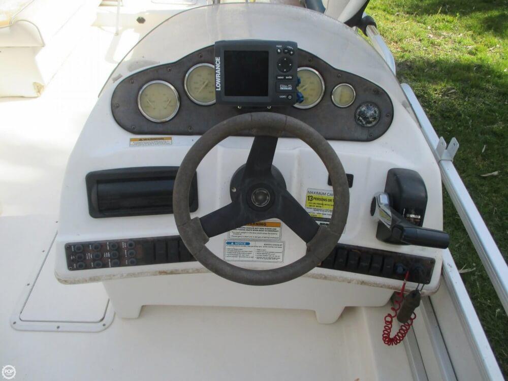 2006 Hurricane 226RE Fun Deck Fishing - Photo #6