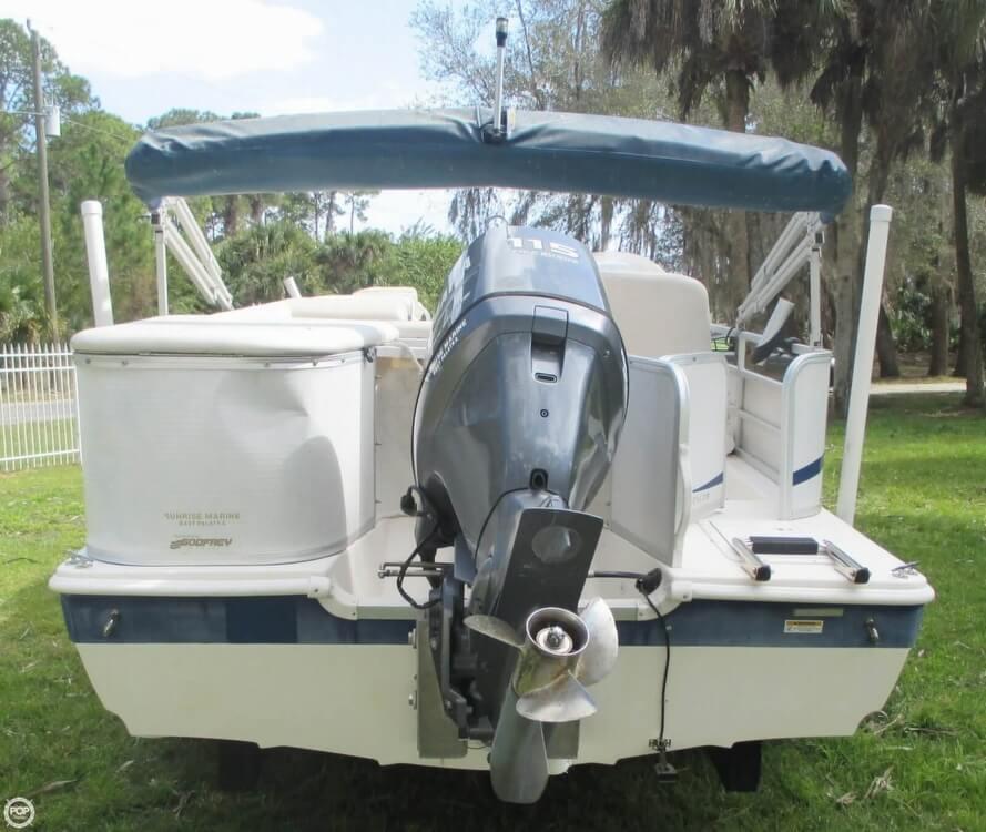2006 Hurricane 226RE Fun Deck Fishing - Photo #13