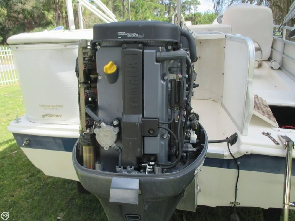 2006 Hurricane 226RE Fun Deck Fishing - Photo #19