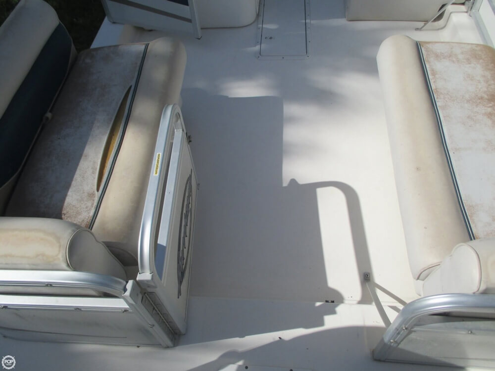 2006 Hurricane 226RE Fun Deck Fishing - Photo #29