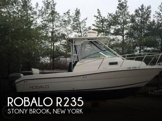 2002 Robalo R235 - Photo #1