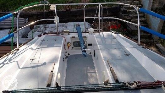 1979 J Boats 30 - Photo #3