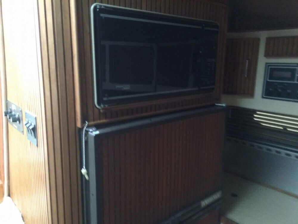 1987 Regal Commodor 360XL - Photo #16