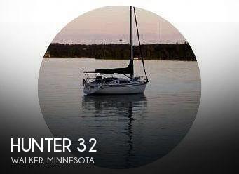 1991 Hunter 32 - Photo #1