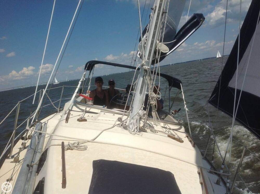 1982 S2 Yachts 30 - Photo #5