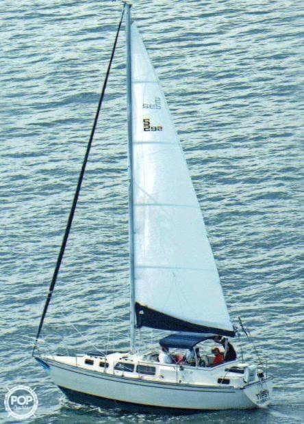 1982 S2 Yachts 30 - Photo #11