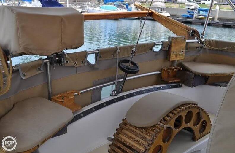 1979 Islander Yachts 30 - Photo #7