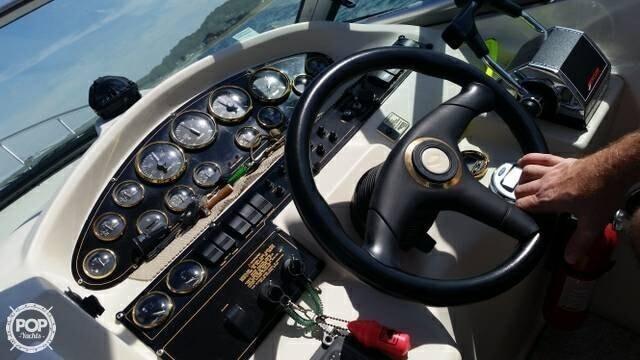 2000 Cruisers 32 - Photo #17
