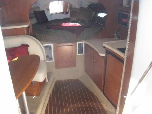 2007 Rinker 320 Express Cruiser - Photo #5