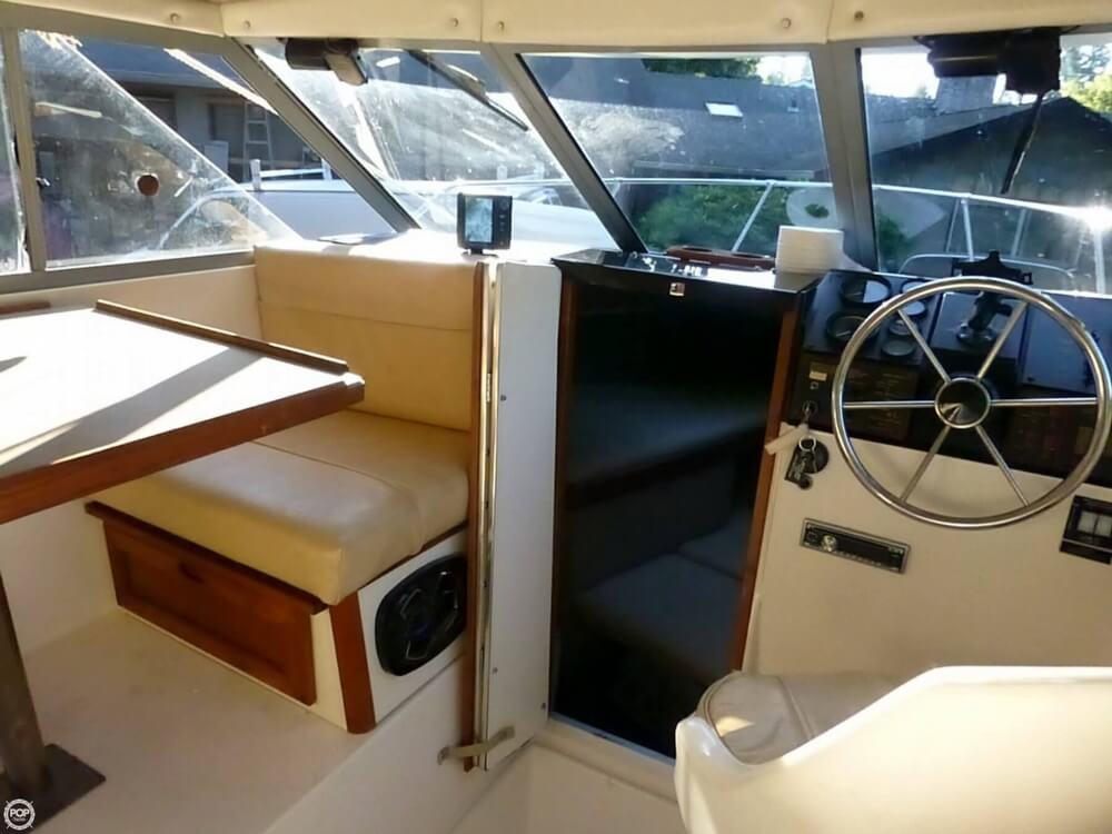 1983 Bayliner 2350 Offshore Cuddy - Photo #5