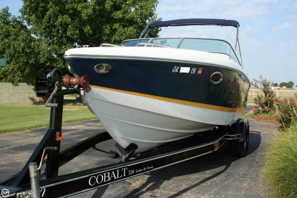 2005 Cobalt 255 Cuddy - Photo #11