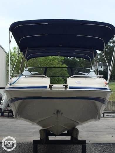 2003 Larson 234 Escape Deck Boat - Photo #8