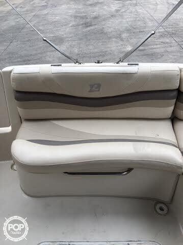 2003 Larson 234 Escape Deck Boat - Photo #33