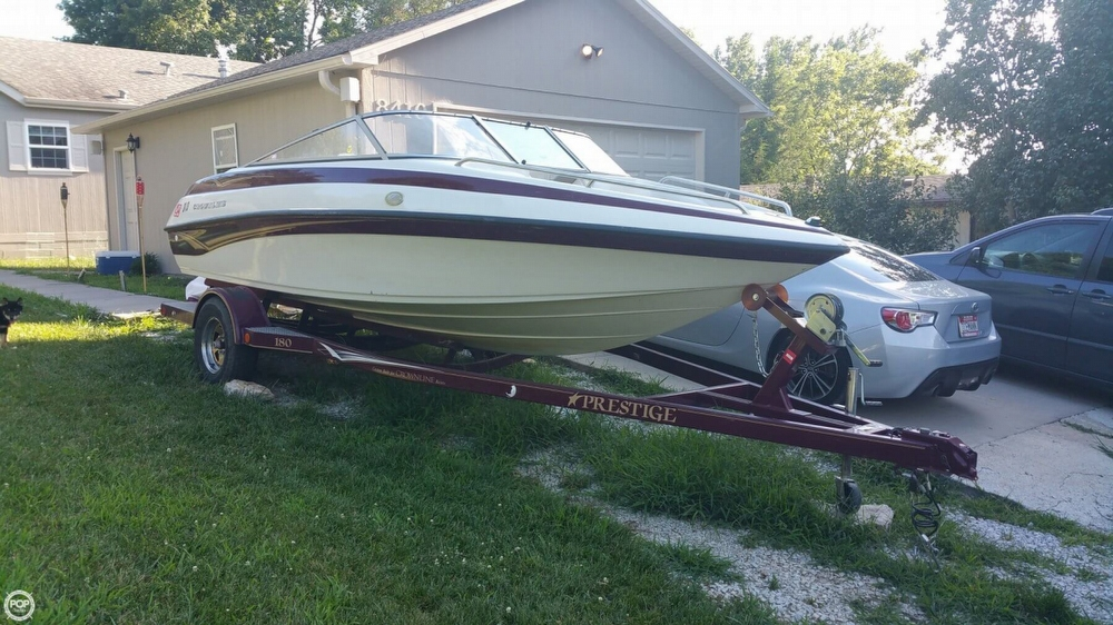 2003 Crownline 180 BR - Photo #2