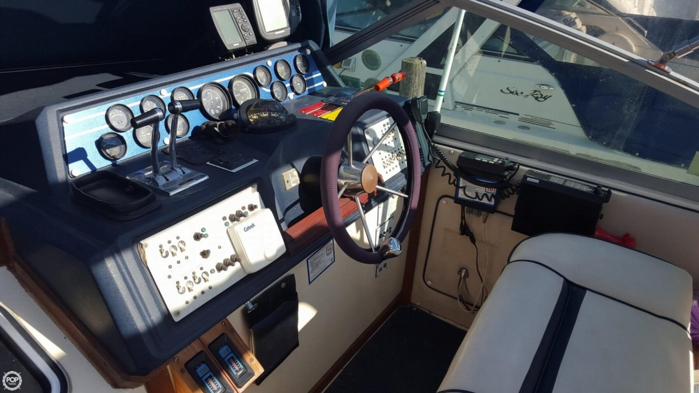 1985 Sea Ray 340 Sundancer - Photo #13