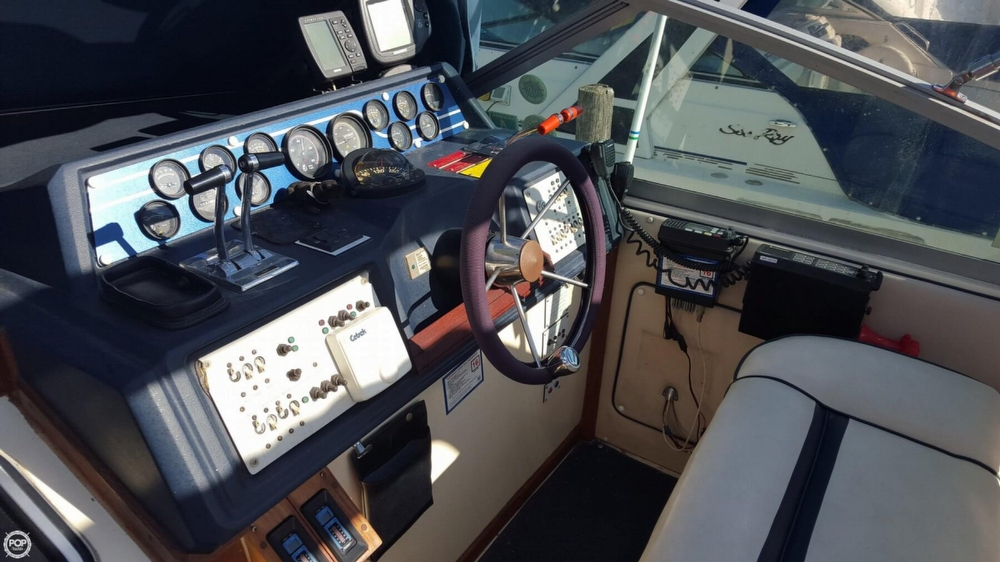 1985 Sea Ray 340 Sundancer - Photo #14