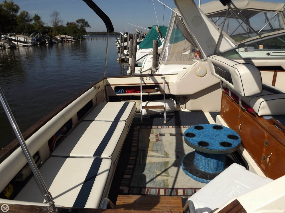 1985 Sea Ray 340 Sundancer - Photo #27