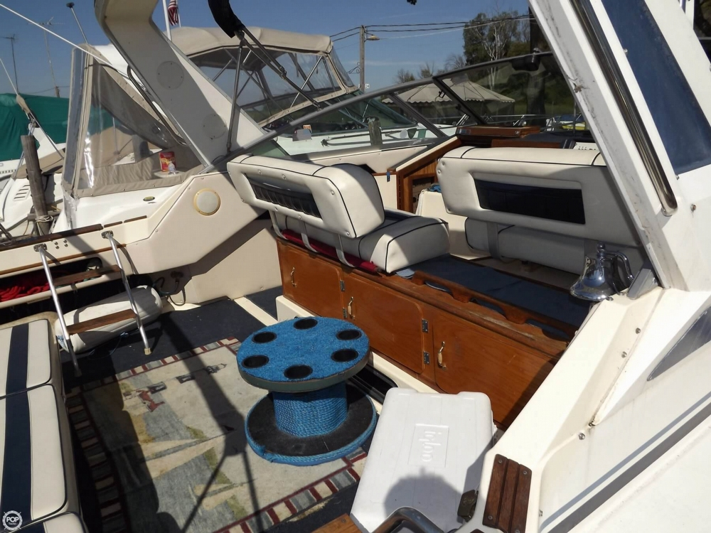 1985 Sea Ray 340 Sundancer - Photo #28