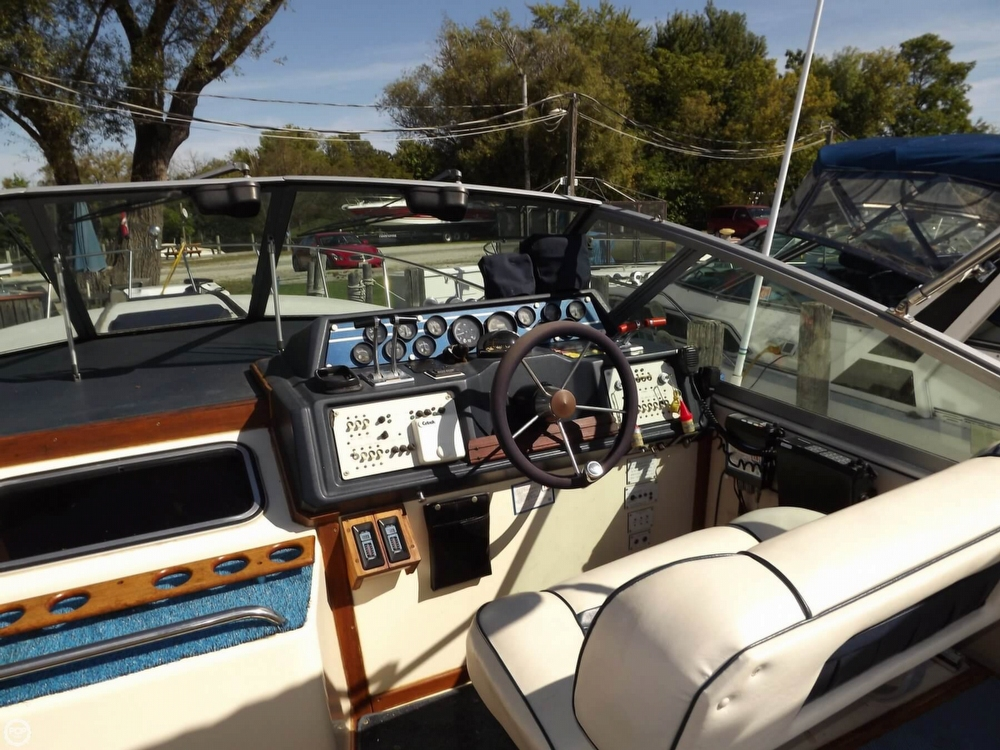 1985 Sea Ray 340 Sundancer - Photo #34