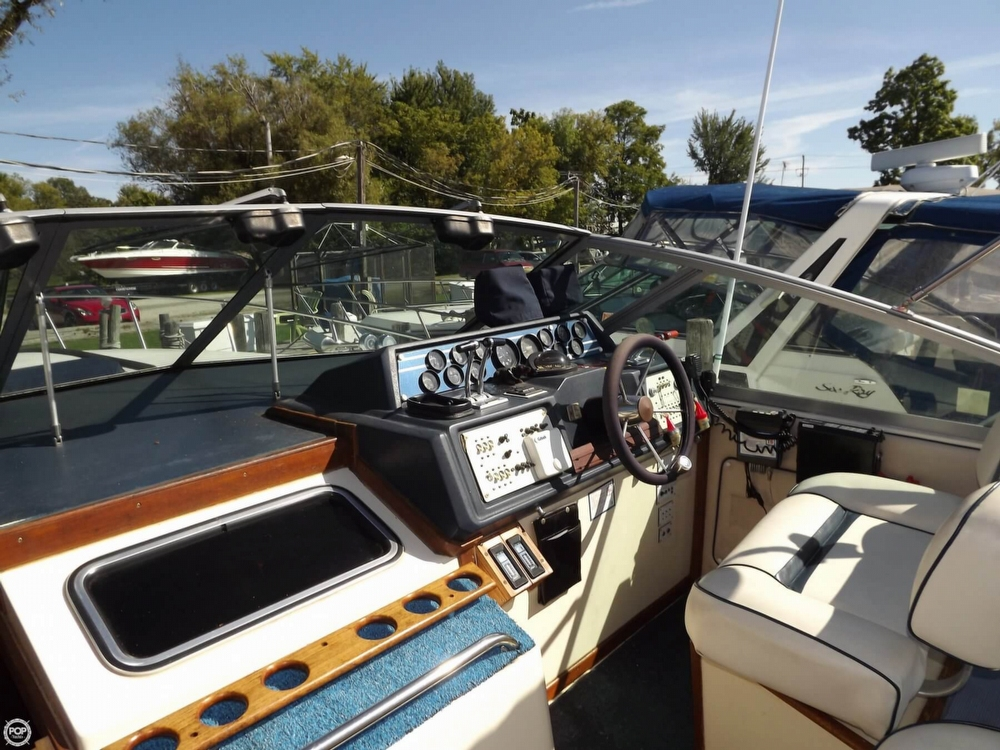 1985 Sea Ray 340 Sundancer - Photo #35