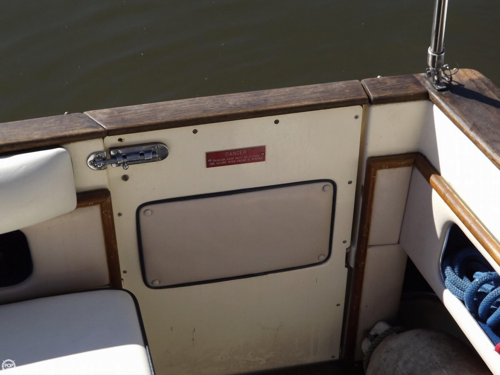 1985 Sea Ray 340 Sundancer - Photo #38