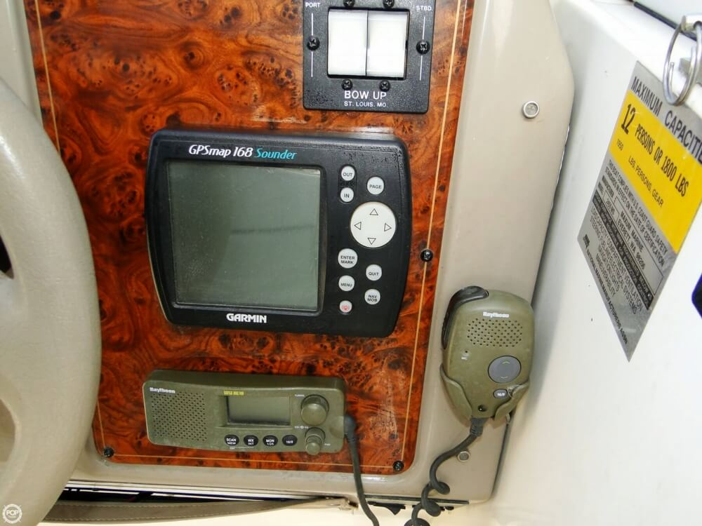 2002 Maxum 2400 SCR - Photo #12