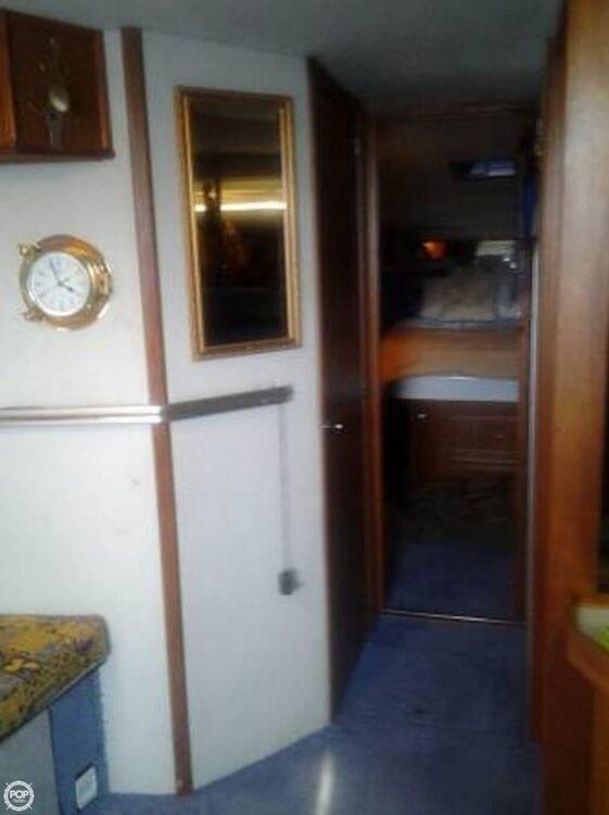 1987 Sea Ray 390 Express - Photo #11