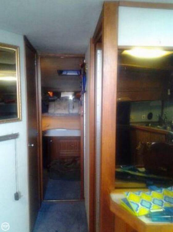 1987 Sea Ray 390 Express - Photo #12