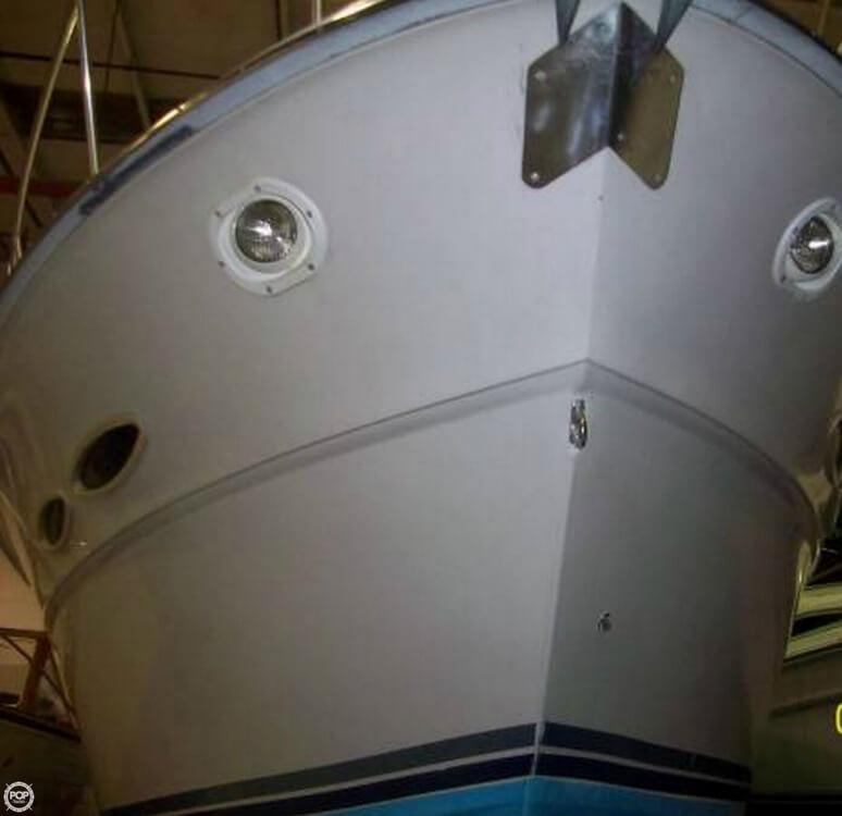 1987 Sea Ray 390 Express - Photo #4