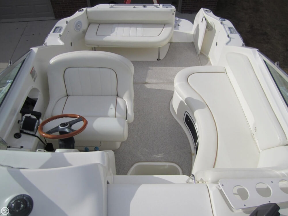 1998 Sea Ray 270 Sundancer - Photo #4